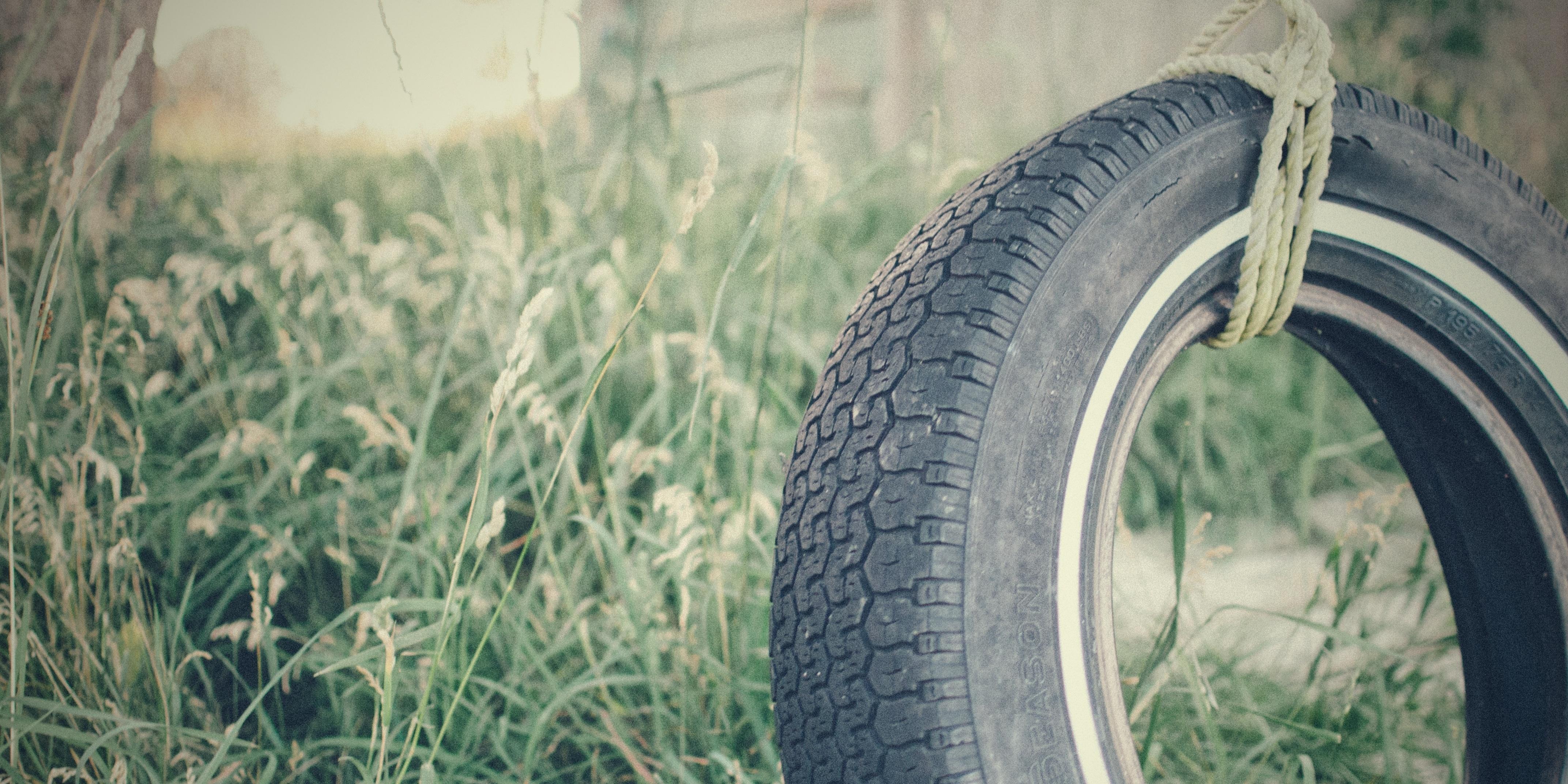 backyard-fun-tire-swing.jpg