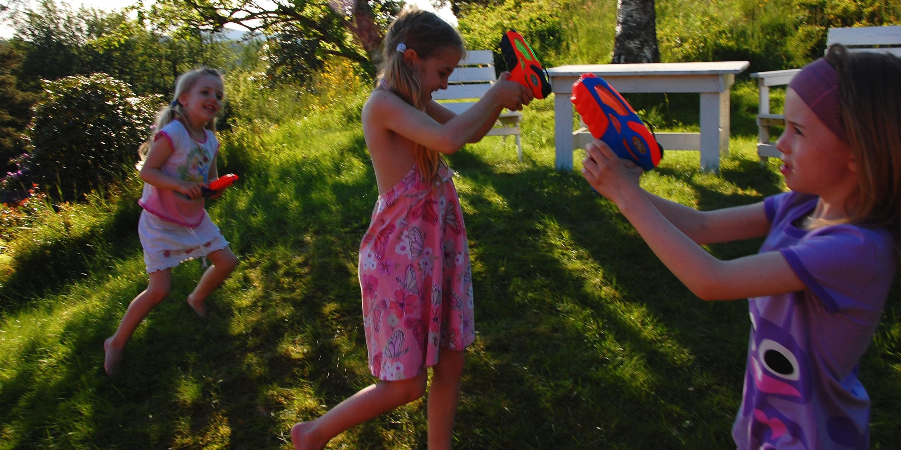 backyard-fun-water-fight.jpg