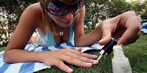 outdoor-mani-pedi.jpg