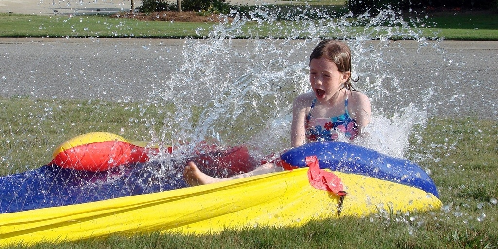 30 Fun Things To Do In Your Backyard - Featured Image